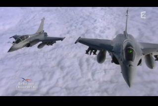 Mardi 23 mars sur FR2 En vol avec l'armée de l'air ( reportage sur le tir d'une ariane 5) - Page 2 Capt_169