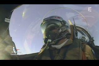 Mardi 23 mars sur FR2 En vol avec l'armée de l'air ( reportage sur le tir d'une ariane 5) - Page 2 Capt_170