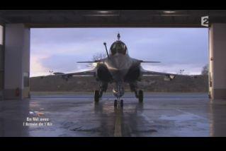 Mardi 23 mars sur FR2 En vol avec l'armée de l'air ( reportage sur le tir d'une ariane 5) - Page 2 Capt_172