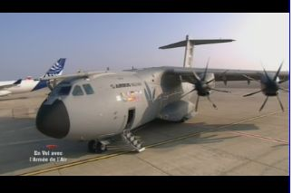 Mardi 23 mars sur FR2 En vol avec l'armée de l'air ( reportage sur le tir d'une ariane 5) - Page 4 Capt_179