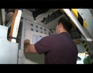 [STS-131] Discovery : préparatifs - Page 9 Capt_186