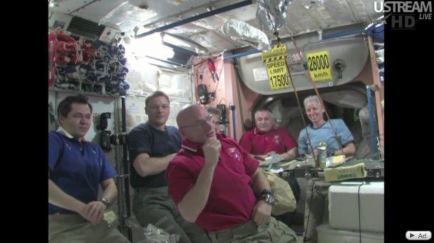 [Soyouz TMA-19] Retour sur Terre (26/11/2010) Capt_211