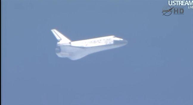 [STS-133] Discovery: Retour sur terre 09.03.2011 - Page 4 Capt_253