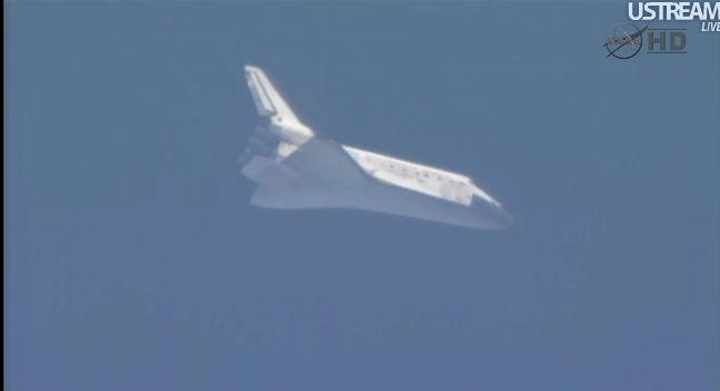 [STS-133] Discovery: Retour sur terre 09.03.2011 - Page 4 Capt_254