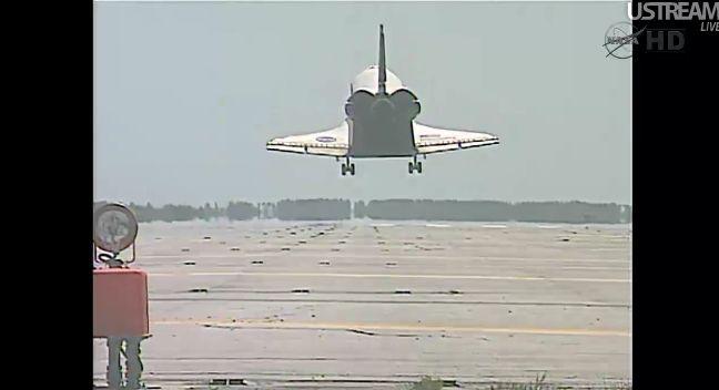 [STS-133] Discovery: Retour sur terre 09.03.2011 - Page 4 Capt_259