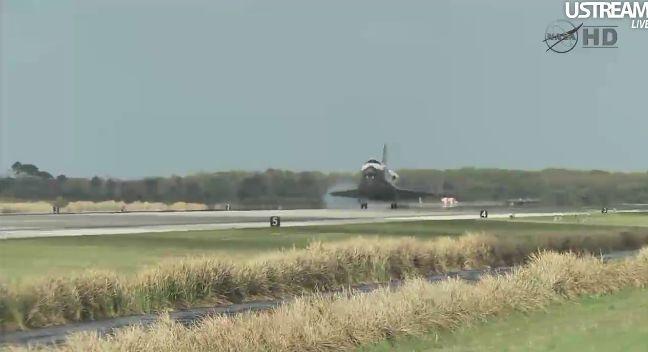 [STS-133] Discovery: Retour sur terre 09.03.2011 - Page 4 Capt_260