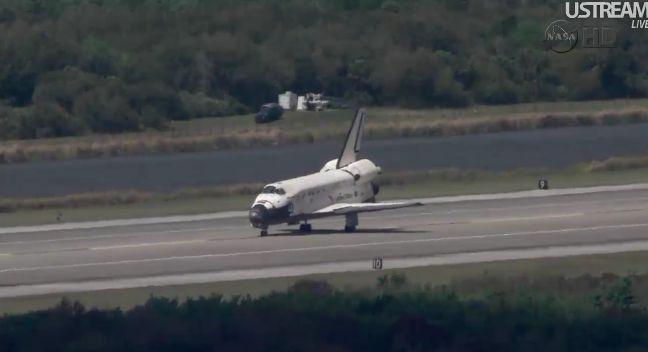 [STS-133] Discovery: Retour sur terre 09.03.2011 - Page 4 Capt_264