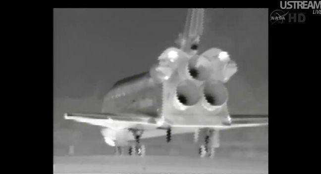 [STS-133] Discovery: Retour sur terre 09.03.2011 - Page 5 Capt_269