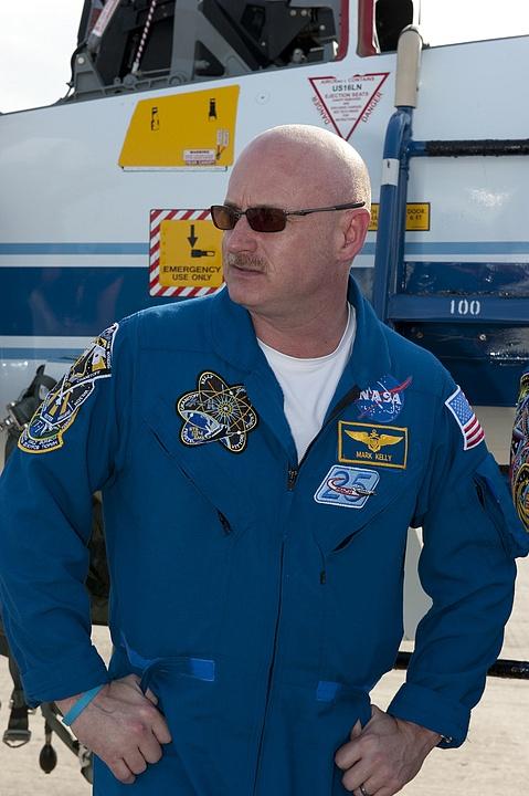 [STS-134] Endeavour : Préparatifs lancement le 29/04/2011 - Page 12 Sans1050