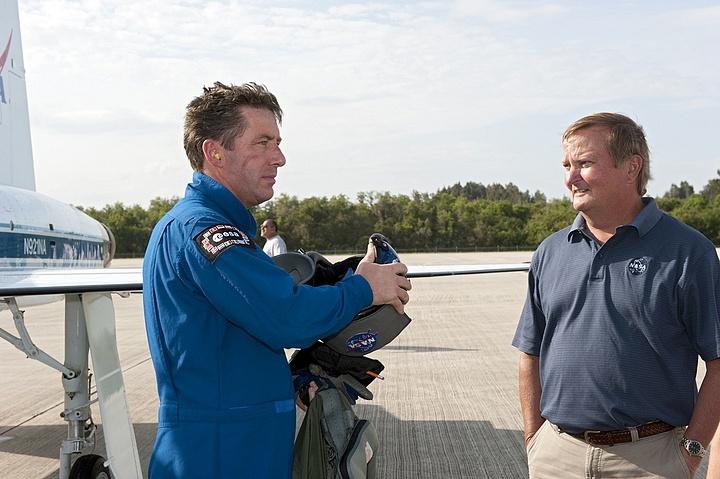 [STS-134] Endeavour : Préparatifs lancement le 29/04/2011 - Page 12 Sans1055