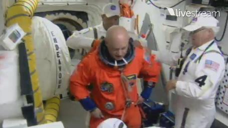 [STS-134] Endeavour : Préparatifs lancement le 29/04/2011 - Page 12 Sans1081