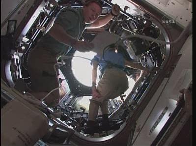 [STS-130] Endeavour : fil dédié au suivi de la mission. - Page 12 Sans_107