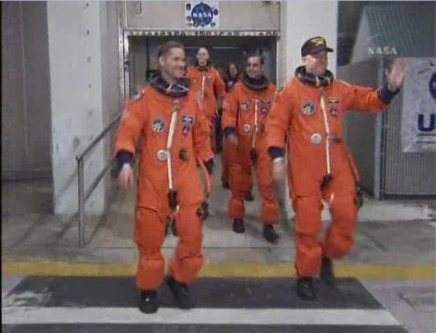 [STS-131 /ISS19A] Discovery fil dédié au lancement (05/04/2010) - Page 6 Sans_189