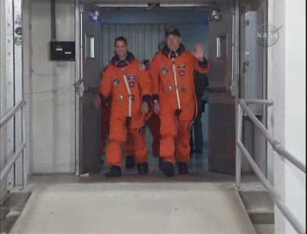 [STS-131 /ISS19A] Discovery fil dédié au lancement (05/04/2010) - Page 6 Sans_190