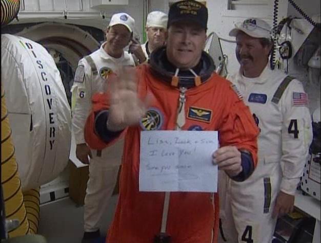 [STS-131 /ISS19A] Discovery fil dédié au lancement (05/04/2010) - Page 6 Sans_198