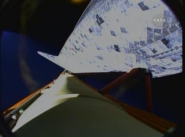 [STS-131 /ISS19A] Discovery fil dédié au lancement (05/04/2010) - Page 16 Sans_239