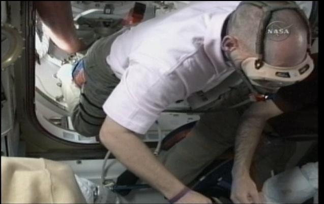 [STS-131 / ISS19A] Discovery : déroulement de la mission - Page 6 Sans_266