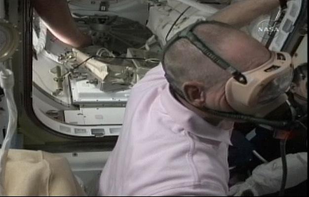[STS-131 / ISS19A] Discovery : déroulement de la mission - Page 6 Sans_268