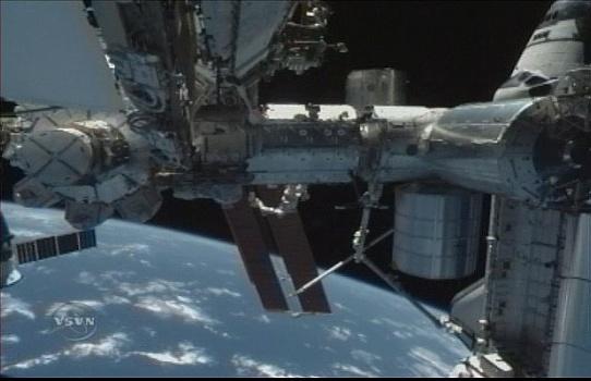 [STS-131 / ISS19A] Discovery : déroulement de la mission - Page 7 Sans_274