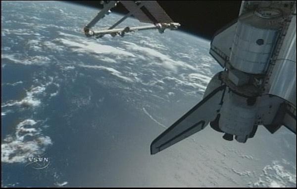 [STS-131 / ISS19A] Discovery : déroulement de la mission - Page 7 Sans_277