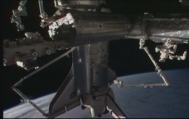 [STS-131 / ISS19A] Discovery : déroulement de la mission - Page 7 Sans_278