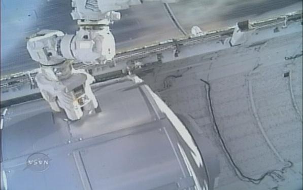 [STS-131 / ISS19A] Discovery : déroulement de la mission - Page 7 Sans_279