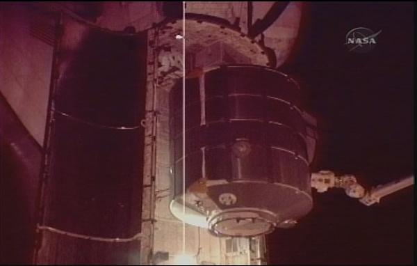 [STS-131 / ISS19A] Discovery : déroulement de la mission - Page 7 Sans_282