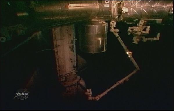 [STS-131 / ISS19A] Discovery : déroulement de la mission - Page 7 Sans_284