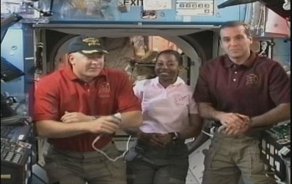 [STS-131 / ISS19A] Discovery : déroulement de la mission - Page 7 Sans_286