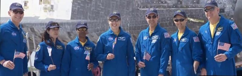 [STS-131] Discovery : Retour sur terre  20/04/2010 - Page 12 Sans_448