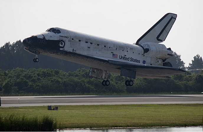 [STS-131] Discovery : Retour sur terre  20/04/2010 - Page 13 Sans_450