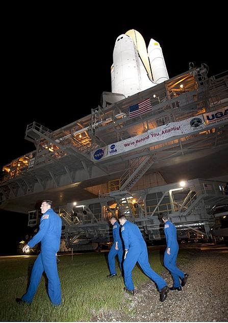 [STS-132] Atlantis : préparatifs (lancement prévu le 14/05/2010) - Page 5 Sans_463