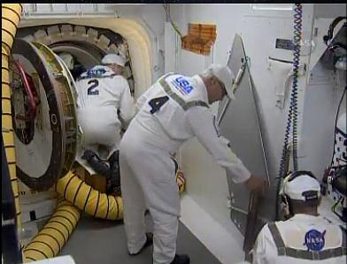[STS-132] Atlantis : fil dédié au lancement. (14/05/2010 à 20h19) - Page 6 Sans_560