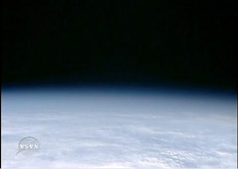 [STS-132] Atlantis : fil dédié à la mission - Page 3 Sans_590