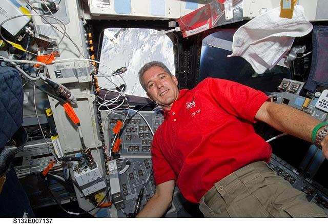 [STS-132] Atlantis : fil dédié à la mission - Page 6 Sans_602