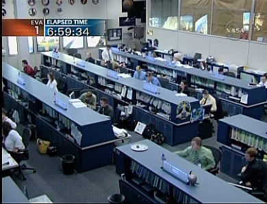[STS-132] Atlantis : EVA 1, Reisman et Bowen. - Page 2 Sans_609