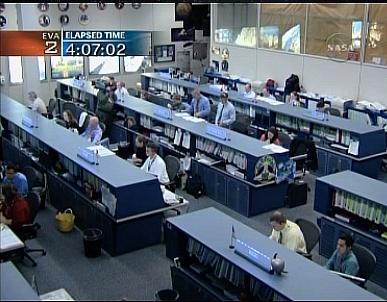 [STS-132] Atlantis : EVA 2, Steve Bowen et Mike Good. Sans_619