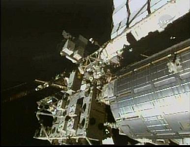 [STS-132] Atlantis : EVA 2, Steve Bowen et Mike Good. Sans_620