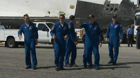 [STS-132] Atlantis: retour sur terre 14:48 heure de Paris le 26/05/10 - Page 5 Sans_689