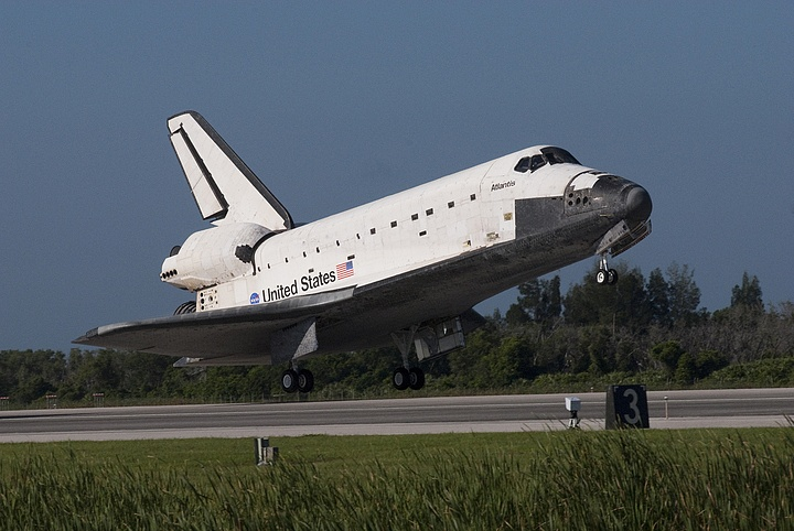 [STS-132] Atlantis: retour sur terre 14:48 heure de Paris le 26/05/10 - Page 6 Sans_692