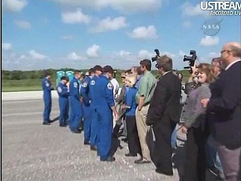 [STS-132] Atlantis: retour sur terre 14:48 heure de Paris le 26/05/10 - Page 6 Sans_694