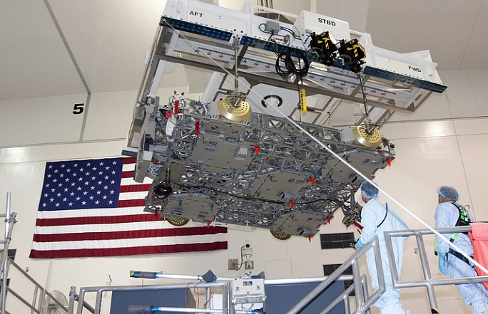 [STS-133] Discovery : Préparatifs (Lancement prévu le 24/02/2011) - Page 4 Sans_756
