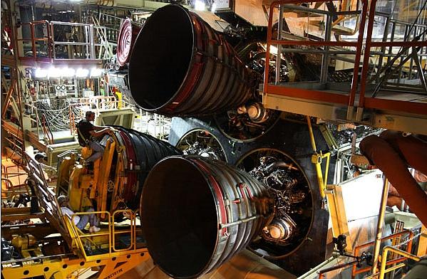 [STS-133] Discovery : Préparatifs (Lancement prévu le 24/02/2011) - Page 4 Sans_781