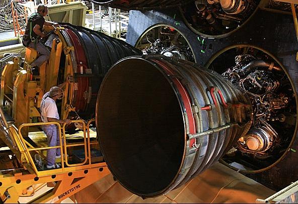 [STS-133] Discovery : Préparatifs (Lancement prévu le 24/02/2011) - Page 4 Sans_782