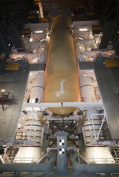 [STS-133] Discovery : Préparatifs (Lancement prévu le 24/02/2011) - Page 4 Sans_787