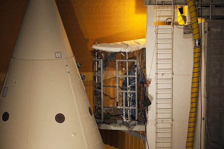 [STS-133] Discovery : Préparatifs (Lancement prévu le 24/02/2011) - Page 22 Sans_884