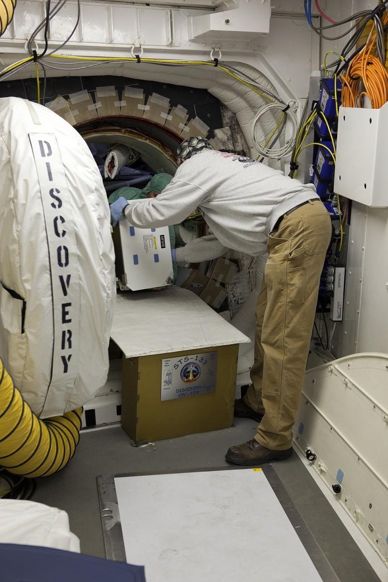 [STS-133] Discovery : Préparatifs (Lancement prévu le 24/02/2011) - Page 25 Sans_932