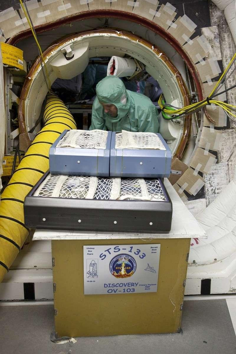 [STS-133] Discovery : Préparatifs (Lancement prévu le 24/02/2011) - Page 25 Sans_934
