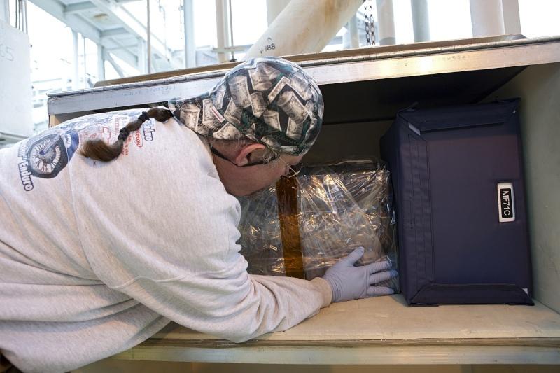 [STS-133] Discovery : Préparatifs (Lancement prévu le 24/02/2011) - Page 25 Sans_935