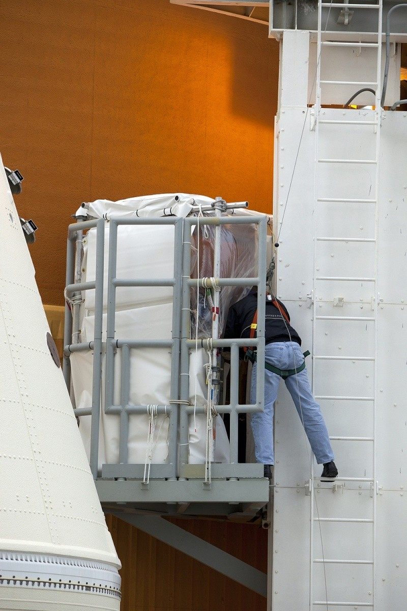 [STS-133] Discovery : Préparatifs (Lancement prévu le 24/02/2011) - Page 25 Sans_936